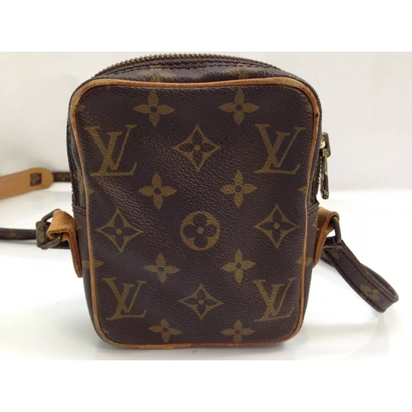 413c0e02b9ed Louis Vuitton Handbags - Vintage Louis Vuitton Crossbody Bum bag fanny
